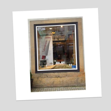 Werbeagentur mosaic - Schaufenstergestaltung - Apotheke